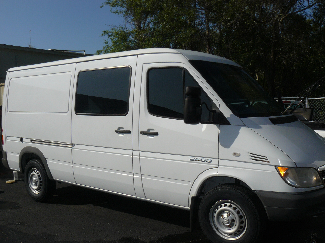 Van And Trailer Detailed In Oldsmar -> On Location